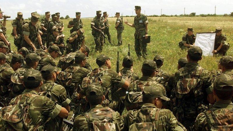 Турция стягивает силы к границе с Сирией