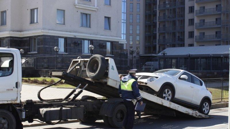 Серийного поджигателя эвакуаторов задержали во Владивостоке