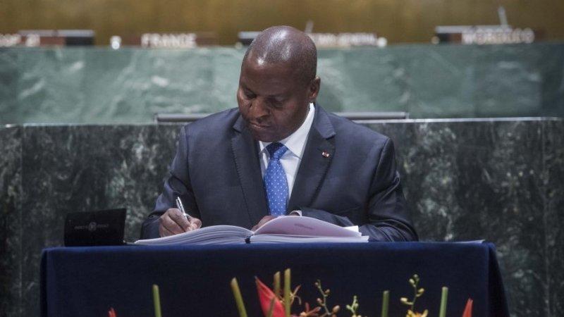 Президент ЦАР пообещал выделить миллион долларов на борьбу со СПИДом