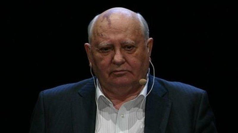 Горбачев рассказал о своих обращениях к Путину и Макрону