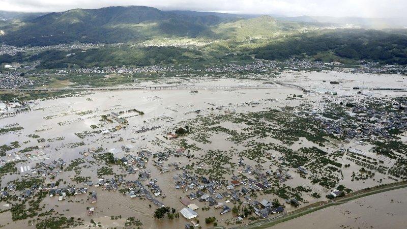 Два новых тайфуна движутся к Японии, еще не справившейся с последствиями «Хагибис»