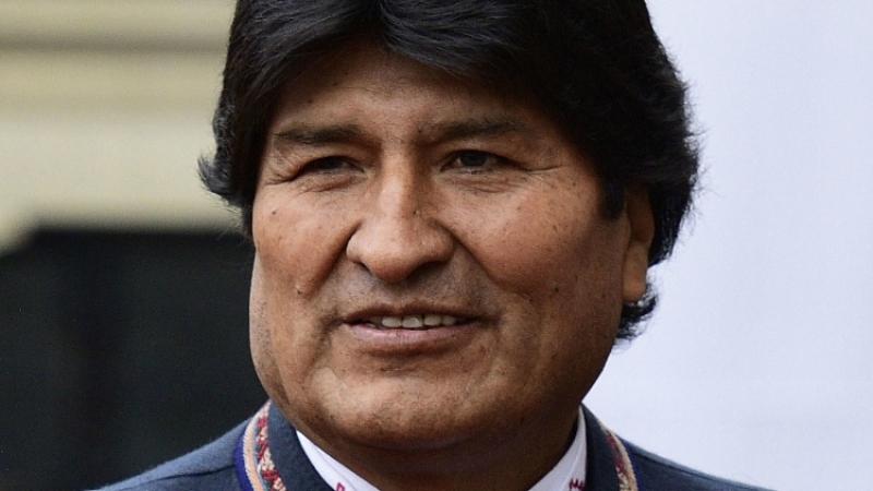 Боливийский лидер Эво Моралес выигрывает президентские выборы уже в первом туре