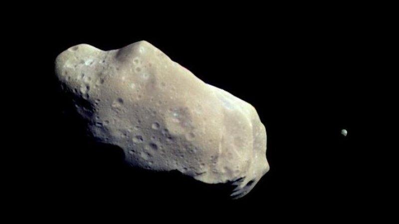 Потенциально опасный астероид прошел мимо Земли