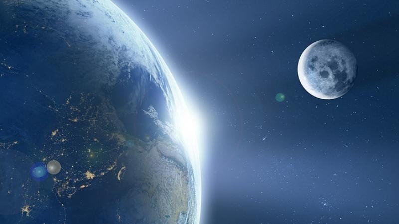 ХимикNASA уверен, что жизнь на Земле появилась благодаря Луне