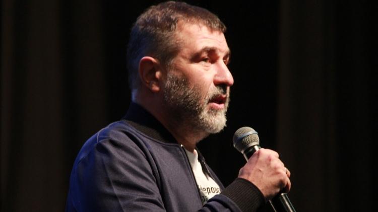 Человек искусства Евгений Гришковец стал новым героем рубрики ФАН о патриотах