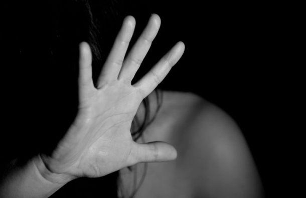 Узбек изнасиловал 27-летнюю девушку влесопарке