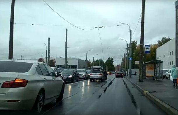 Ураган оставил без сети троллейбусы вПриморском районе