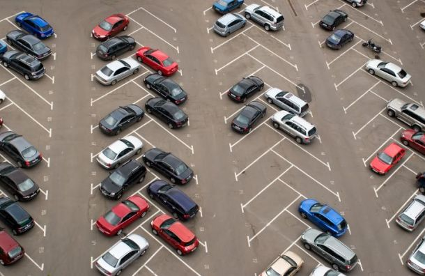 Суд вПетербурге встал насторону власти ввопросе парковки