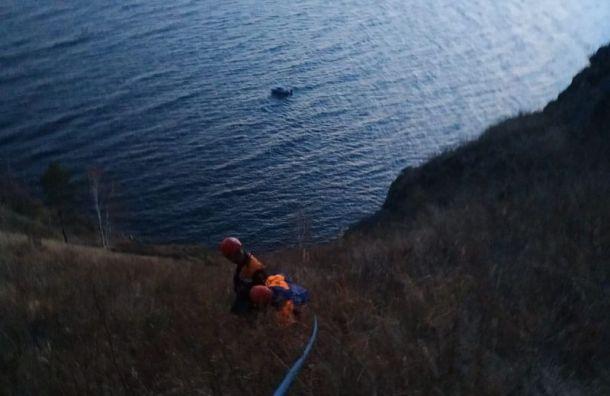 Спасатели сняли петербургскую туристку сгоры наБайкале