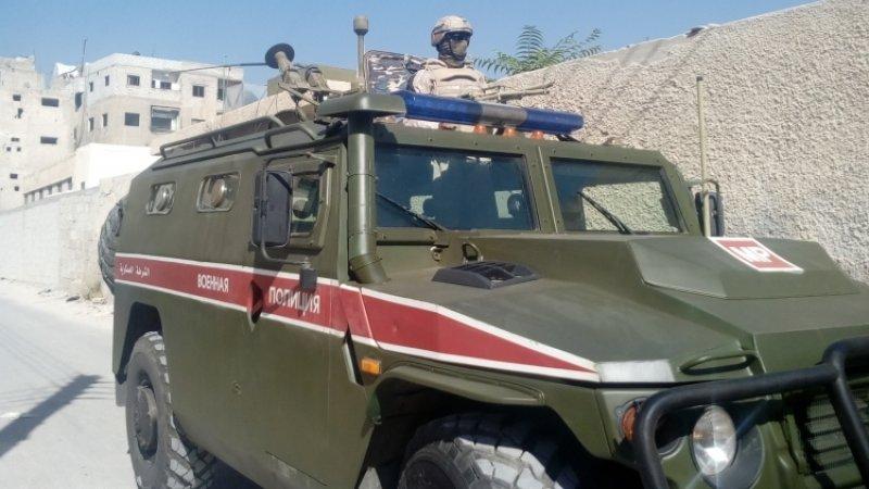 Российская военная полиция продолжает патрулировать две сирийские провинции
