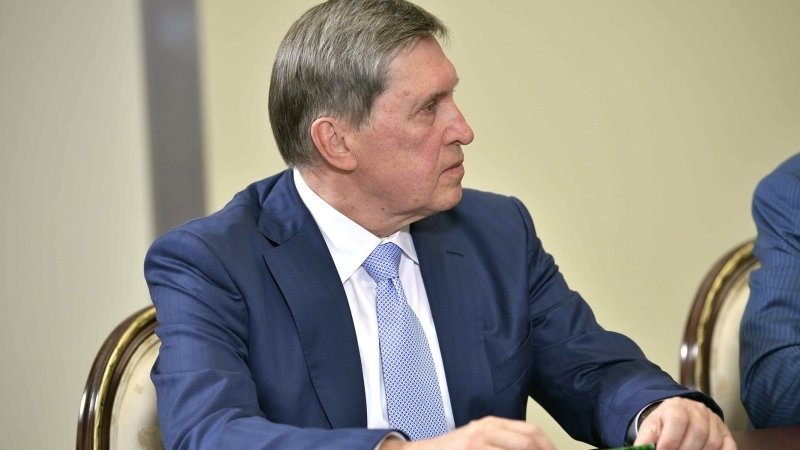 Ушаков не исключил отдельной встречи Путина и Зеленского в Париже