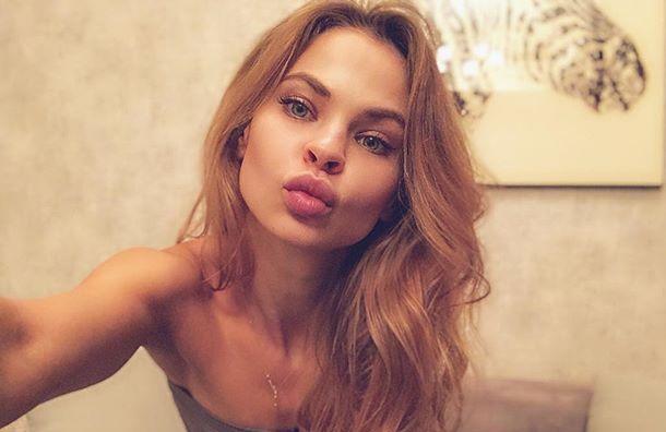 Петербурженка обвинила Настю Рыбку вкраже вещей иденег