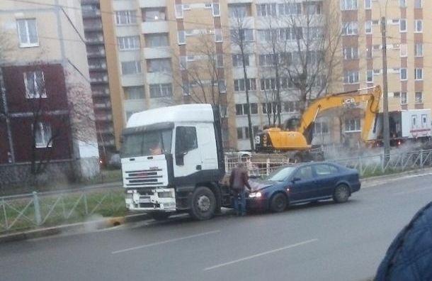 Петербуржцев удивила авария вРыбацком