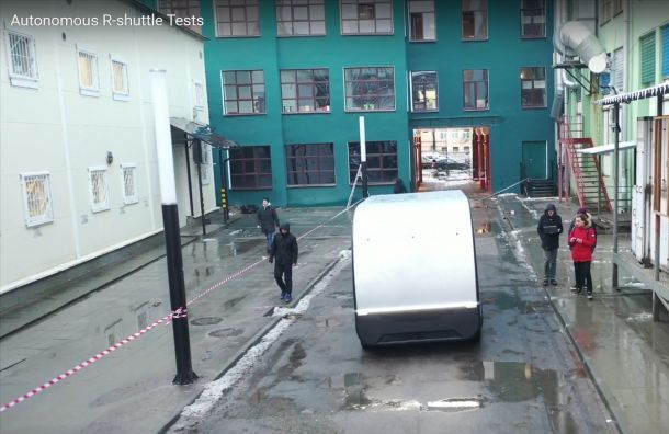 Испытания беспилотного грузовика прошли вПетербурге