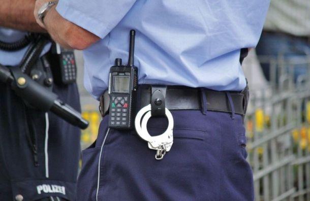 Двух петербургских полицейских задержали запытки подростка