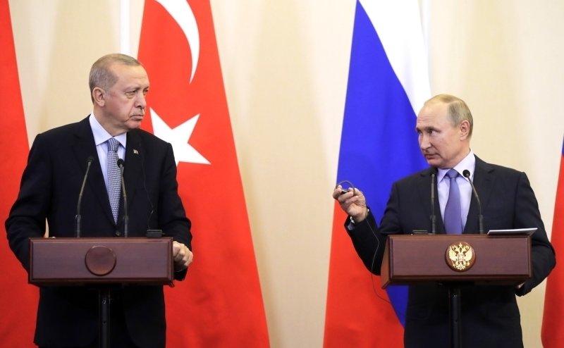 Путин и Эрдоган по телефону обсудили взаимную обеспокоенность боестолновением под Триполи